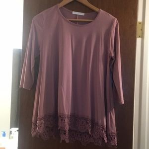 Soft Touch Lace Hem 3/4 Sleeve Top